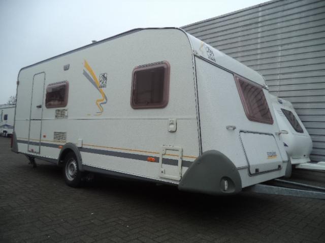 Knaus Caravan Met Stapelbed.Knaus Sudwind 500 Stapelbed Welten Caravans